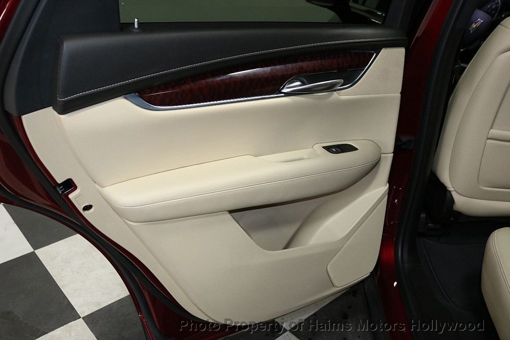 2018 Cadillac XT5 Crossover FWD 4dr Premium Luxury - 18353238 - 12
