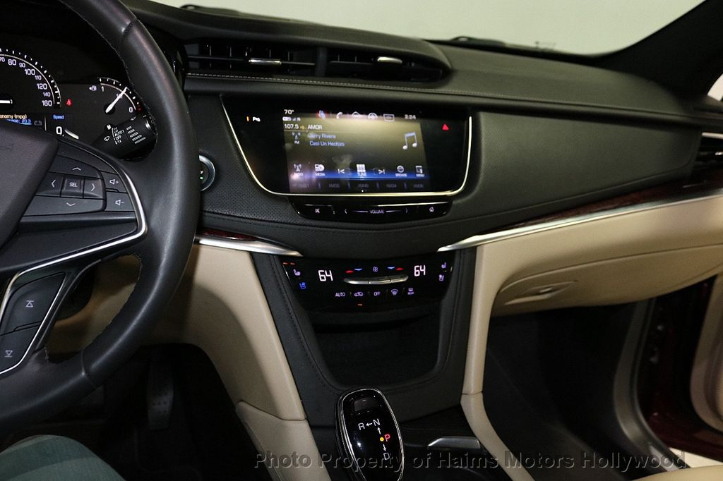 2018 Cadillac XT5 Crossover FWD 4dr Premium Luxury - 18353238 - 21