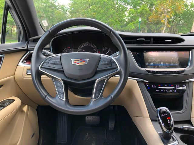 2018 Cadillac XT5 Crossover FWD 4dr Premium Luxury - Click to see full-size photo viewer