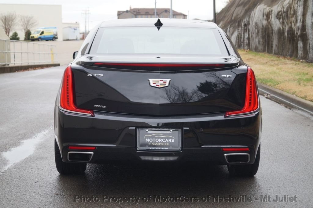 2018 Cadillac XTS 4dr Sedan Luxury AWD - 18398518 - 9
