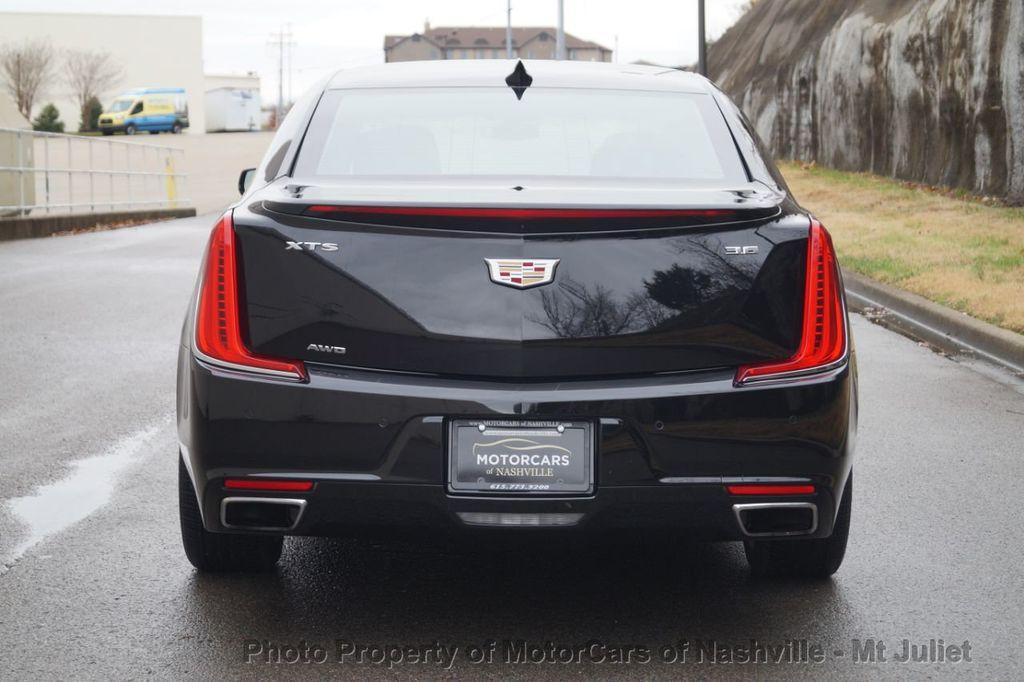 2018 Cadillac XTS 4dr Sedan Luxury AWD - 18398518 - 9