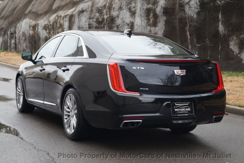 2018 Cadillac XTS 4dr Sedan Luxury AWD - 18398518 - 10