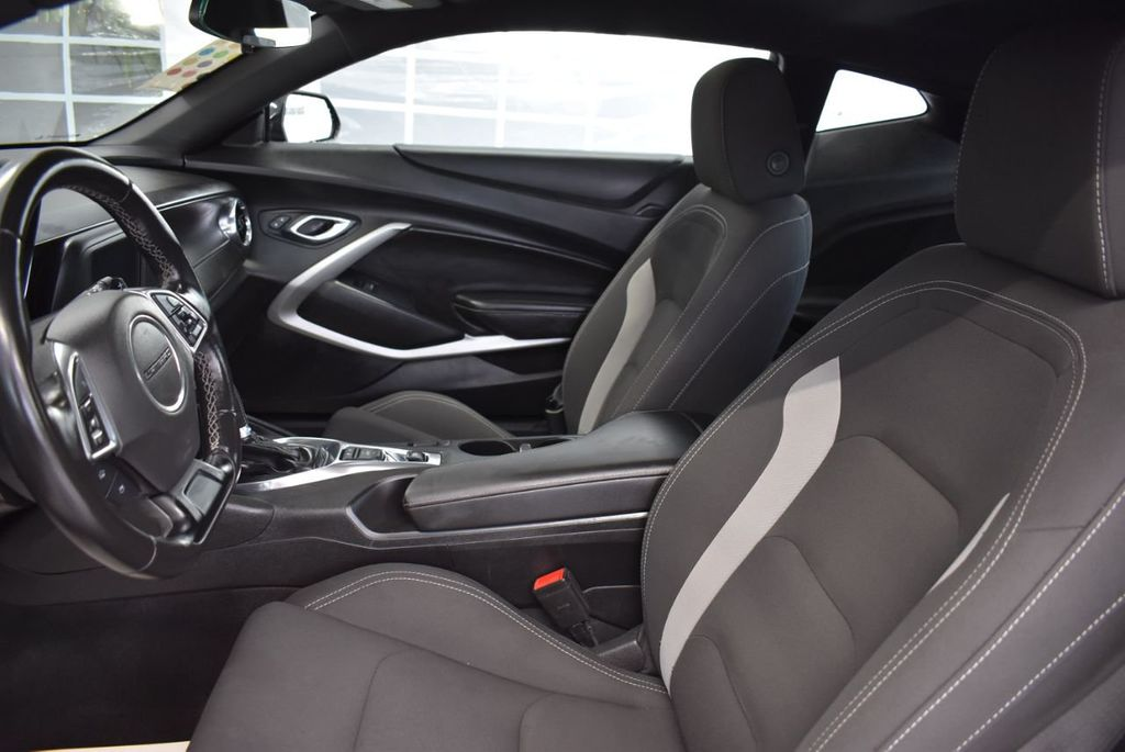 2018 Chevrolet Camaro 2dr Coupe LT w/1LT - 18546505 - 12