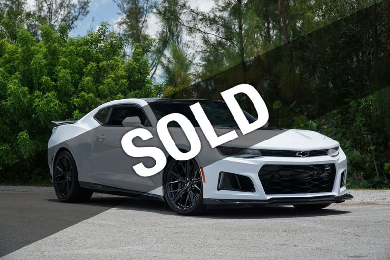2018 Chevrolet Camaro 2dr Coupe ZL1 - Click to see full-size photo viewer