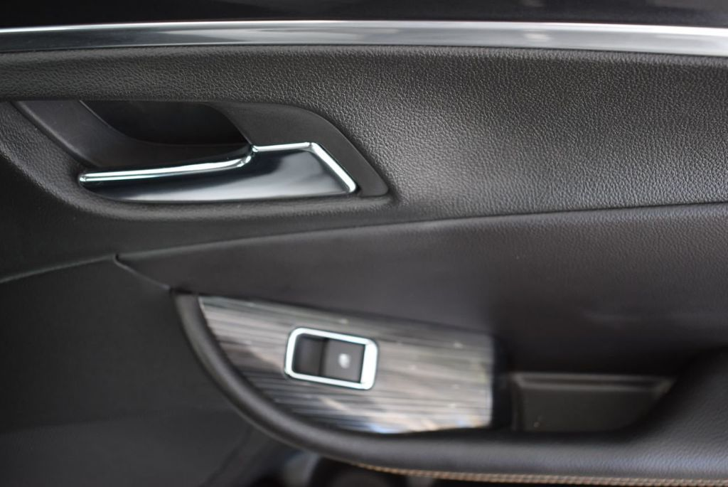 2018 Chevrolet Impala 4dr Sedan LT w/1LT - 18689010 - 17