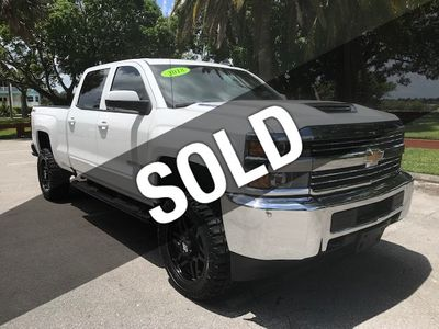 "2018 Chevrolet Silverado 2500HD 4WD Crew Cab 167.7"" LT - Click to see full-size photo viewer"