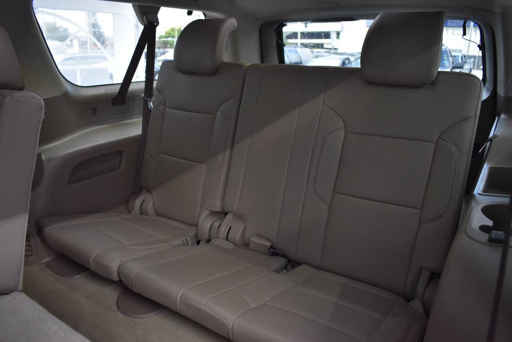 2018 Chevrolet Suburban 2WD 4dr 1500 LT - 18432674 - 12