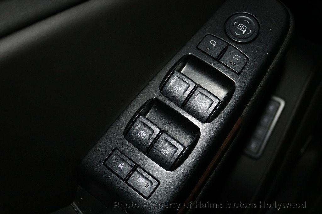 2018 Chevrolet Suburban 2WD 4dr 1500 LT - 18146680 - 25