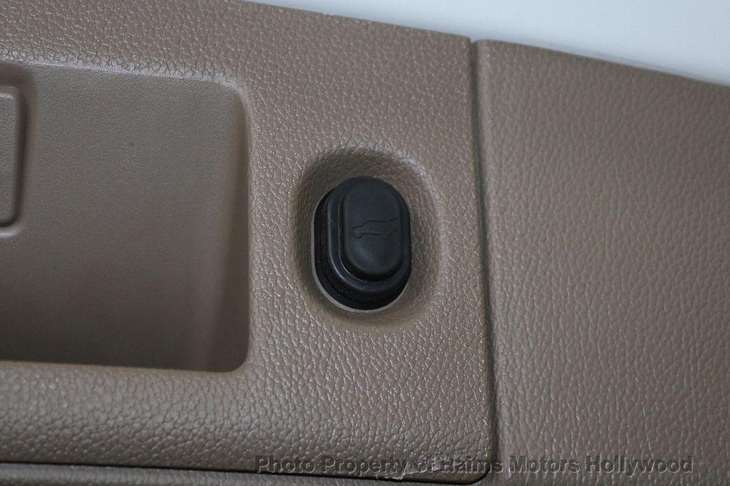 2018 Chevrolet Suburban 2WD 4dr 1500 LT - 18382909 - 9