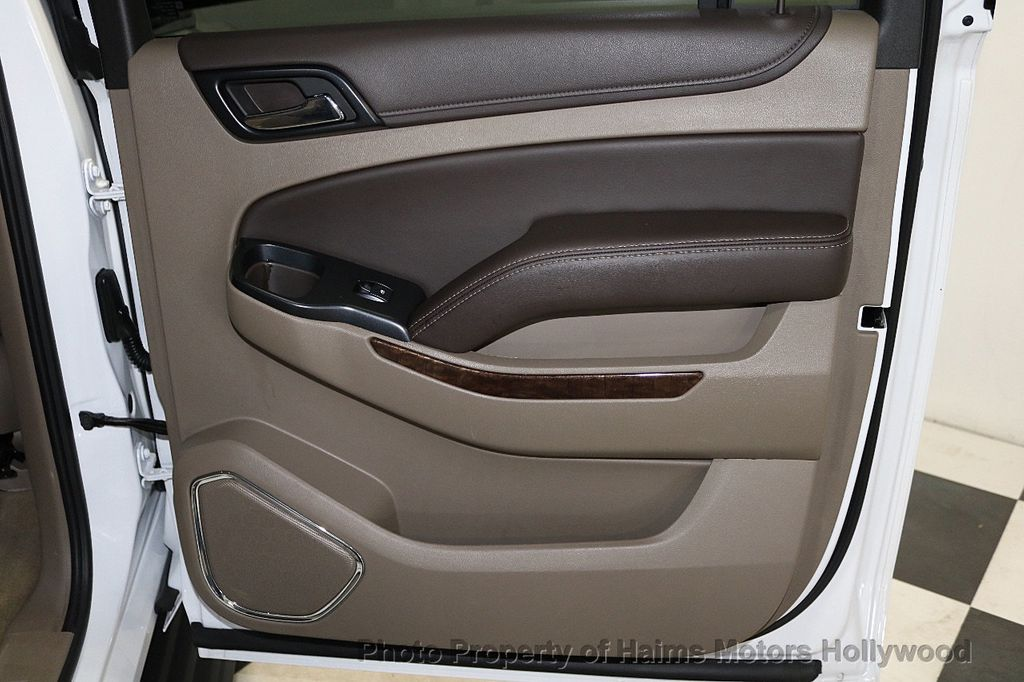 2018 Chevrolet Suburban 2WD 4dr 1500 LT - 18382909 - 12