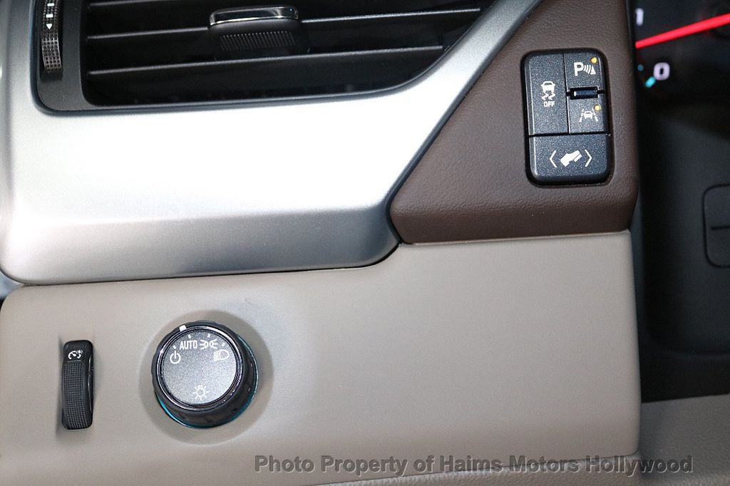 2018 Chevrolet Suburban 2WD 4dr 1500 LT - 18382909 - 25