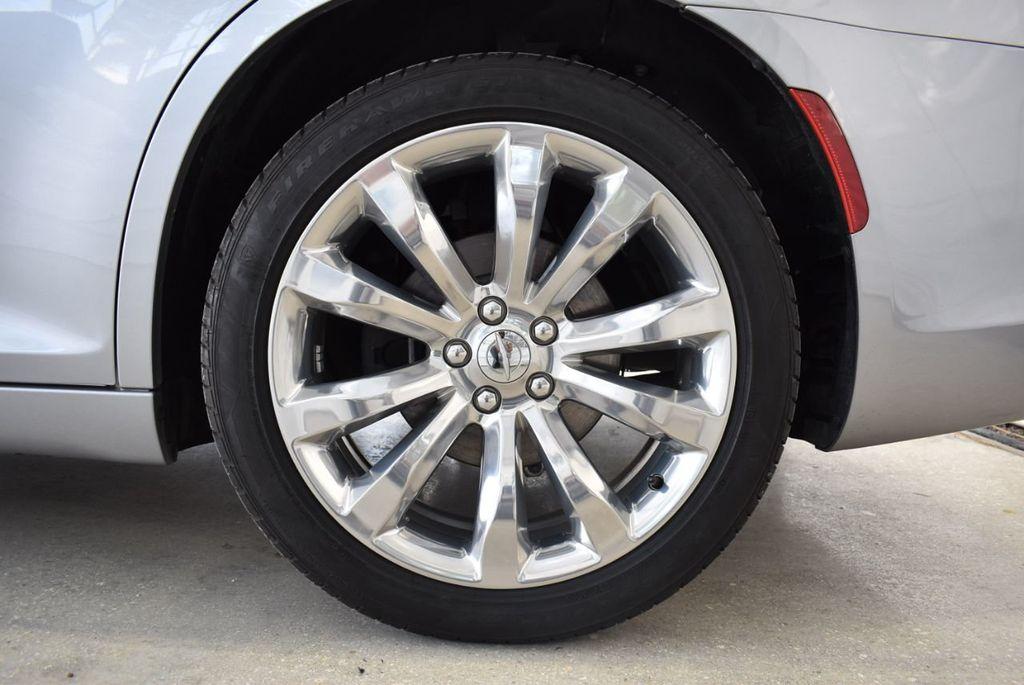 2018 Chrysler 300 Limited RWD - 18415848 - 10