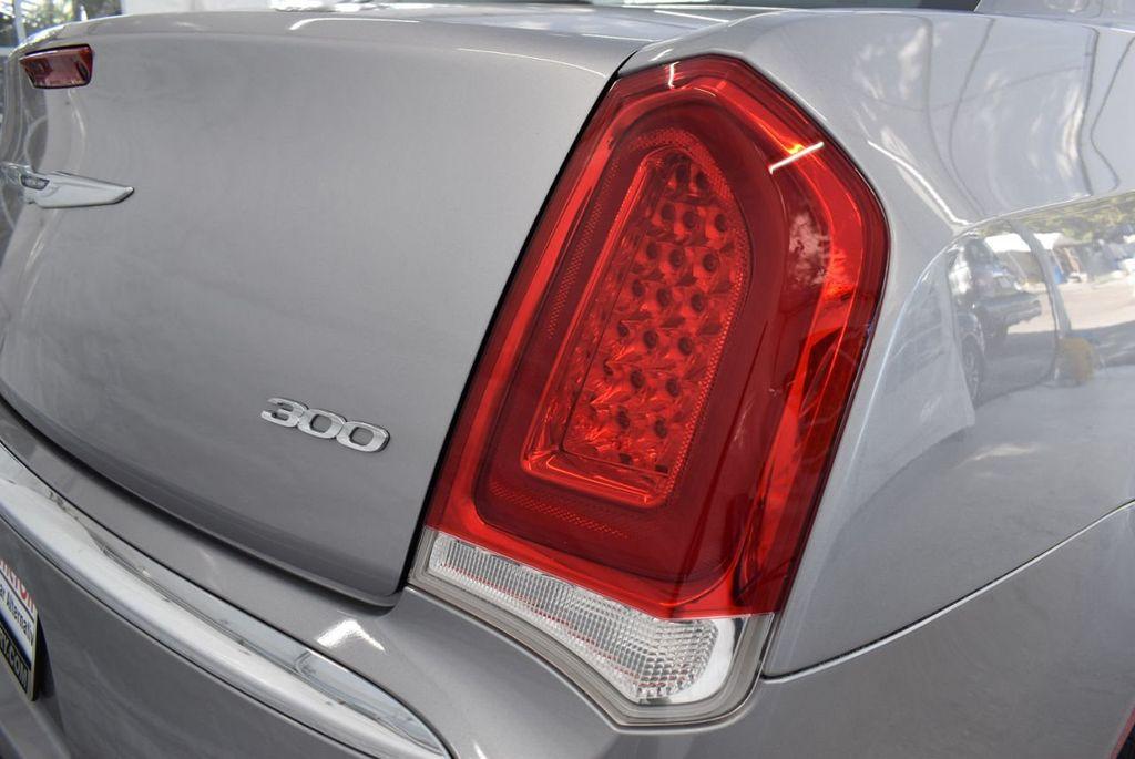 2018 Chrysler 300 Limited RWD - 18415848 - 1