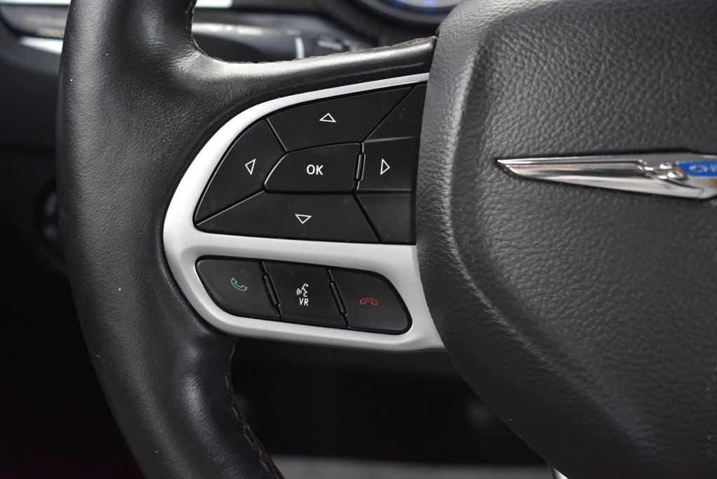 2018 Chrysler 300 Limited RWD - 18415848 - 23