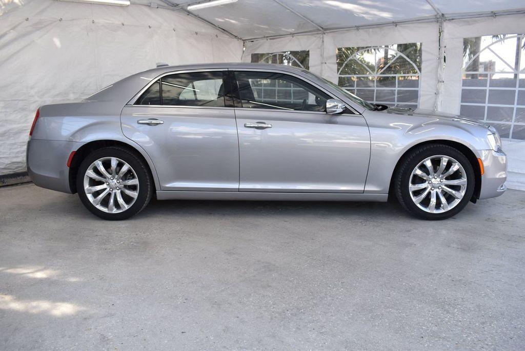 2018 Chrysler 300 Limited RWD - 18415848 - 2