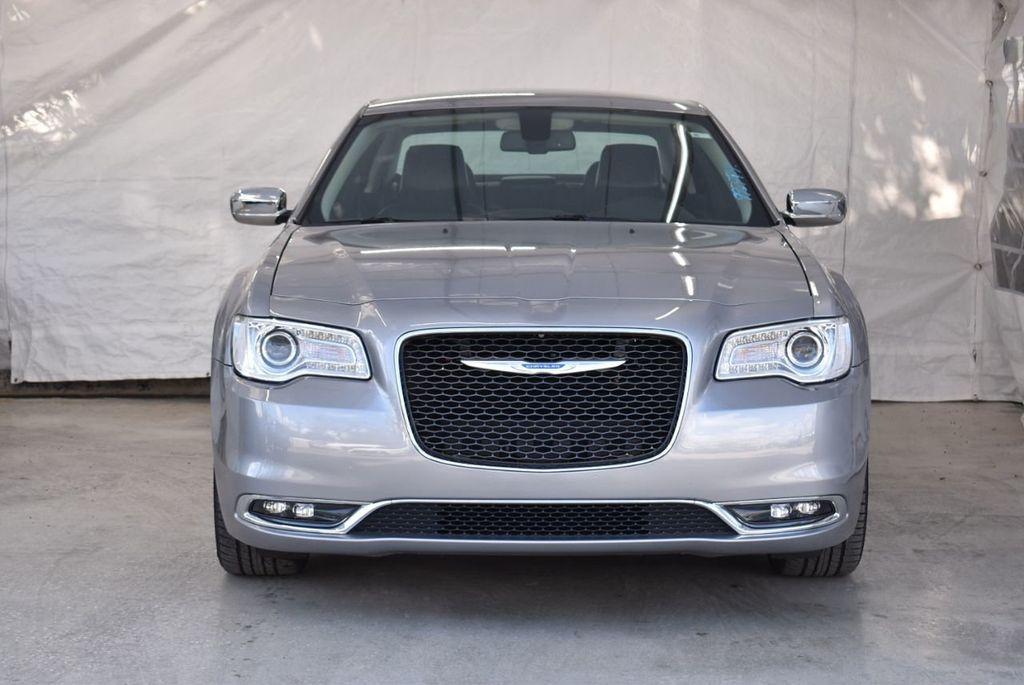 2018 Chrysler 300 Limited RWD - 18415848 - 3