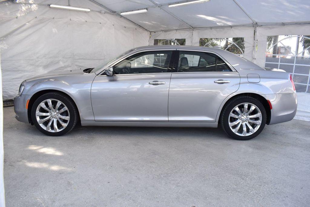 2018 Chrysler 300 Limited RWD - 18415848 - 4