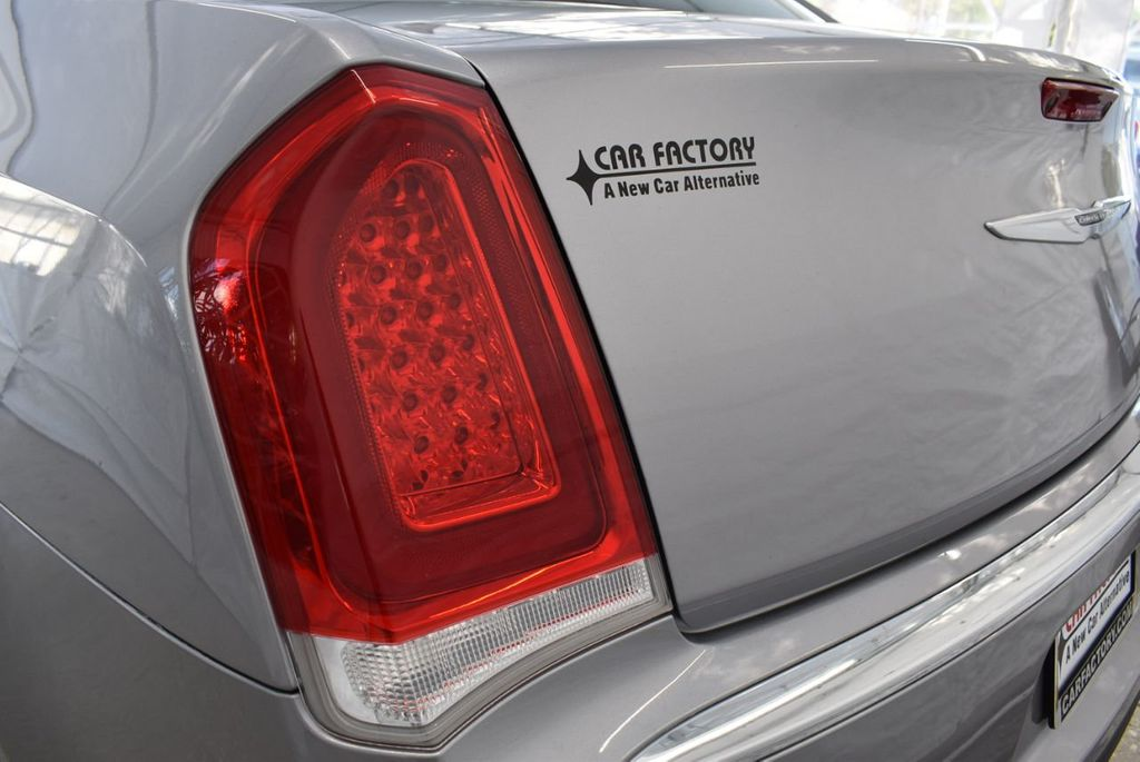 2018 Chrysler 300 Limited RWD - 18415848 - 6