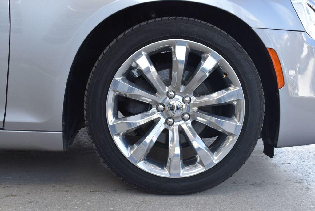 2018 Chrysler 300 Limited RWD - 18415848 - 8