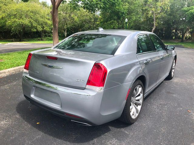 2018 Chrysler 300 Limited RWD - Click to see full-size photo viewer