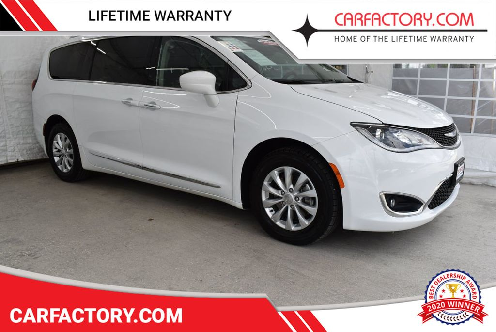 2018 Chrysler Pacifica Touring L FWD - 18637801 - 0