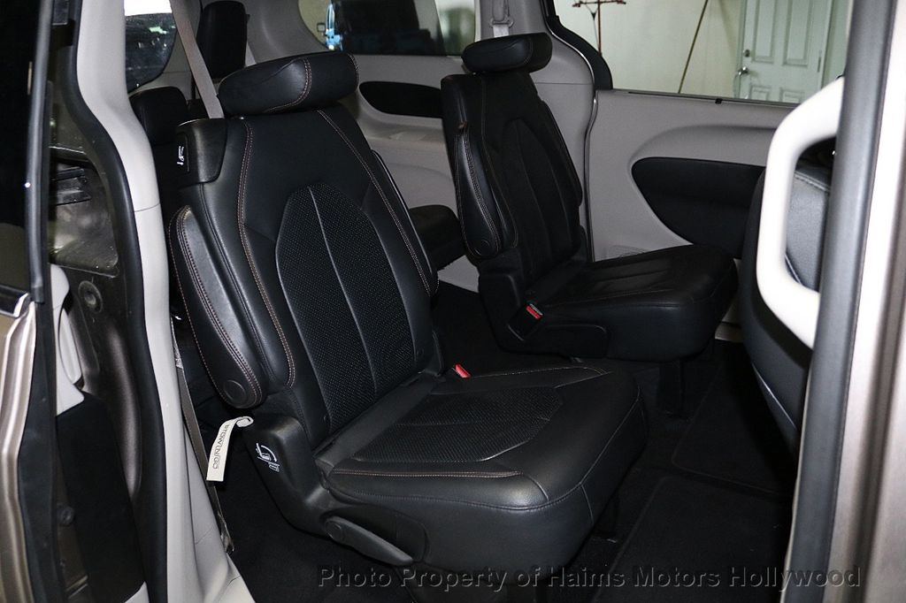 2018 Chrysler Pacifica Touring L FWD - 18668161 - 15