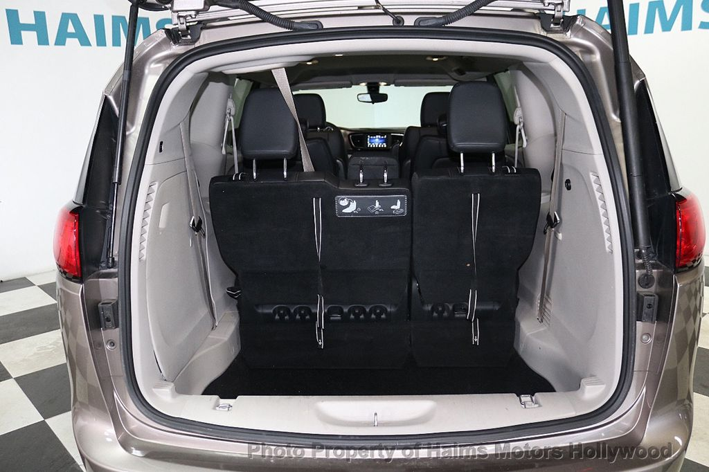 2018 Chrysler Pacifica Touring L FWD - 18668161 - 7