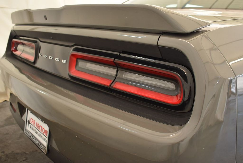 2018 Dodge Challenger R/T Coupe - 18056337 - 1