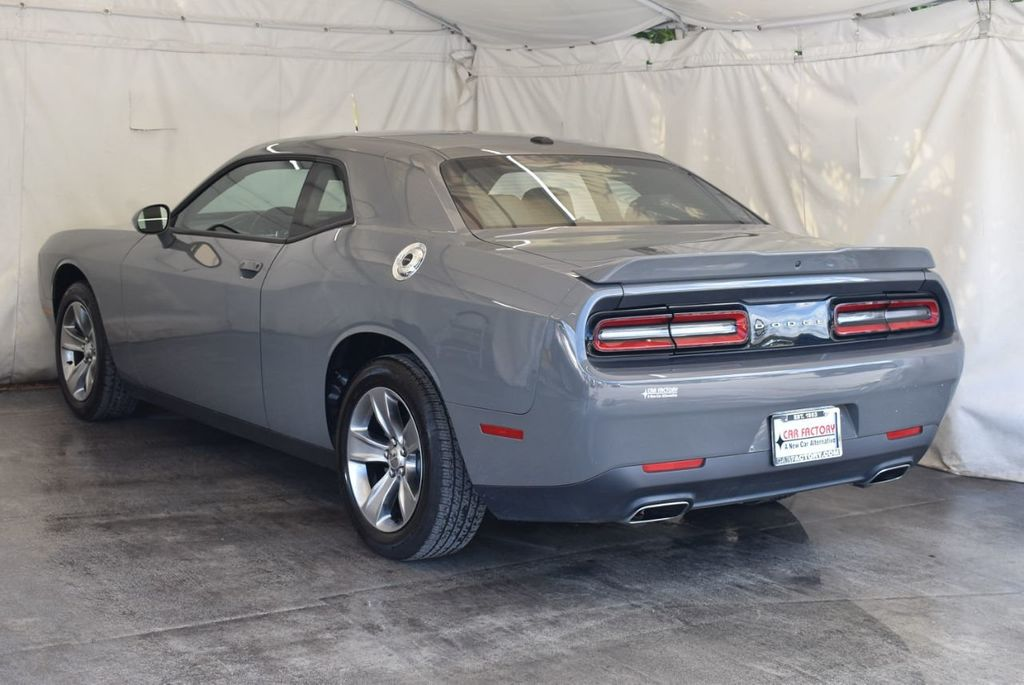 2018 Dodge Challenger R/T Coupe - 18056337 - 4
