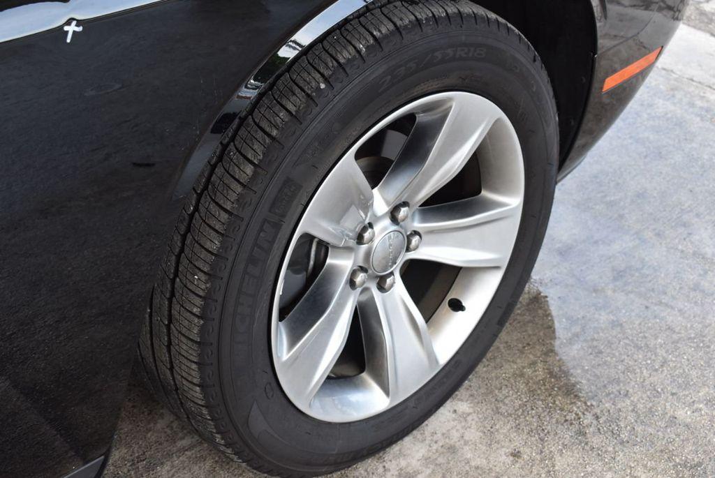 2018 Dodge Challenger SXT Coupe - 18056335 - 10