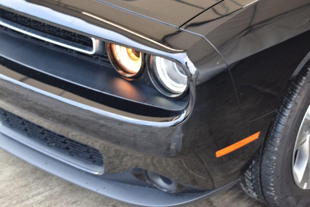 2018 Dodge Challenger SXT Coupe - 18056335 - 2