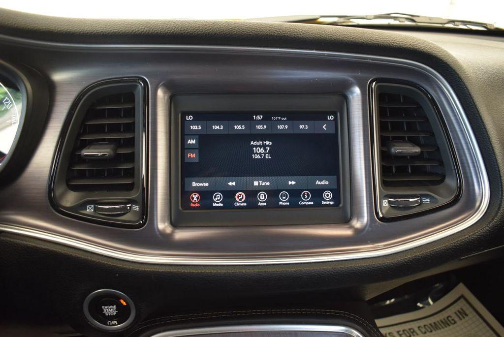 2018 Dodge Challenger SXT Coupe - 18102568 - 16