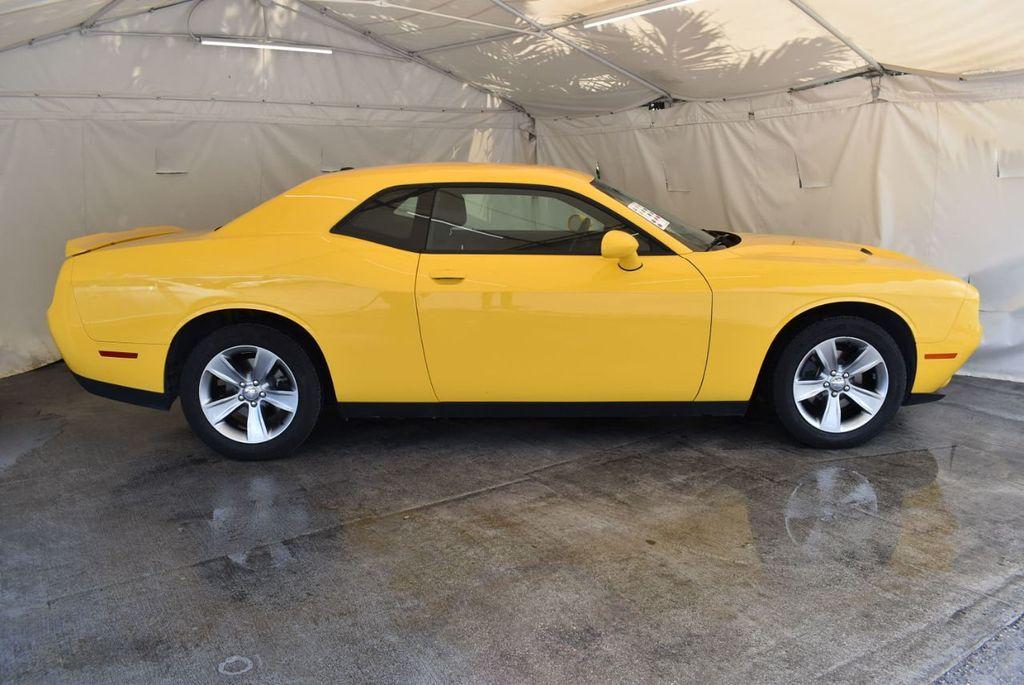 2018 Dodge Challenger SXT Coupe - 18102568 - 2