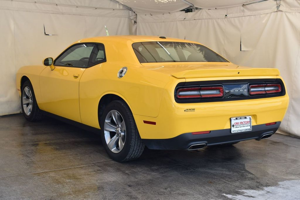 2018 Dodge Challenger SXT Coupe - 18102568 - 5