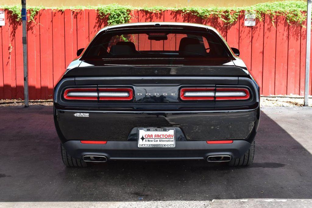 2018 Dodge Challenger SXT Coupe - 18056338 - 6