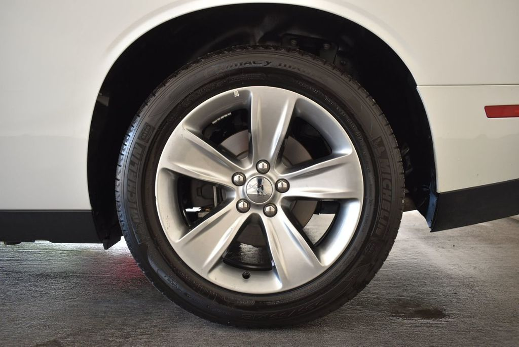 2018 Dodge Challenger SXT RWD - 18078916 - 10
