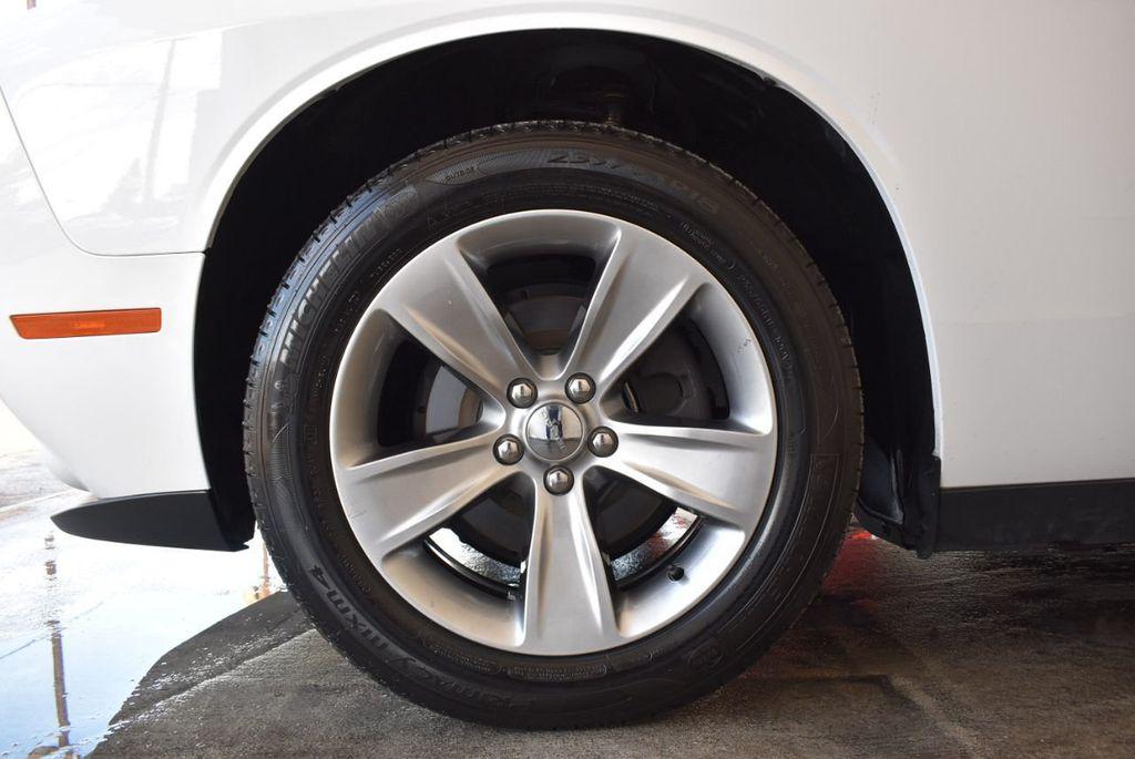 2018 Dodge Challenger SXT RWD - 18078916 - 11