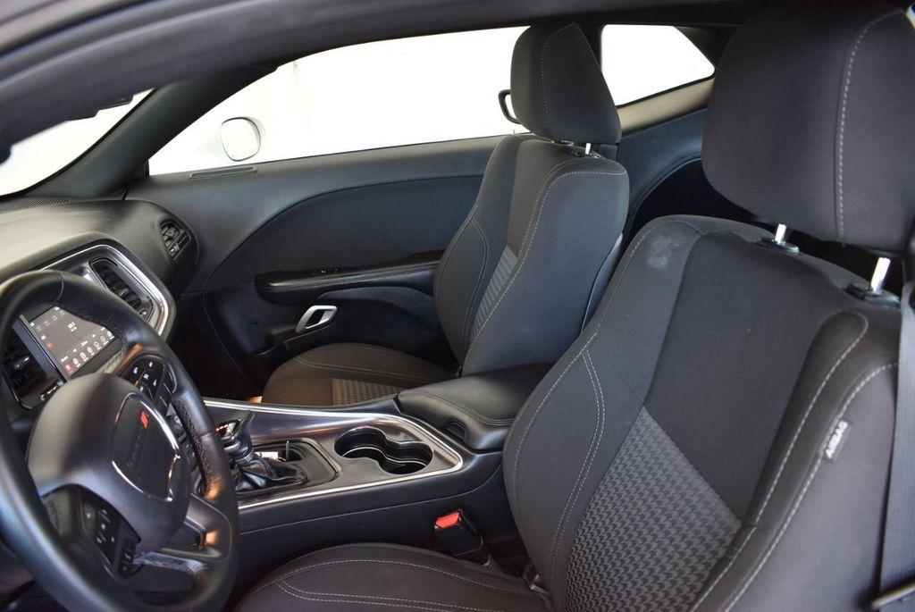 2018 Dodge Challenger SXT RWD - 18078916 - 12