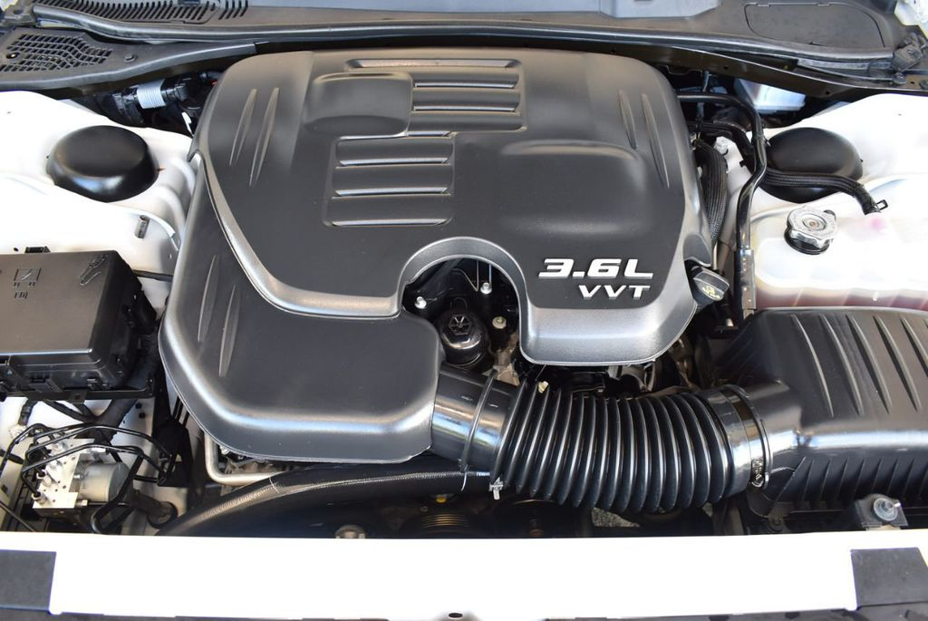 2018 Dodge Challenger SXT RWD - 18078916 - 24