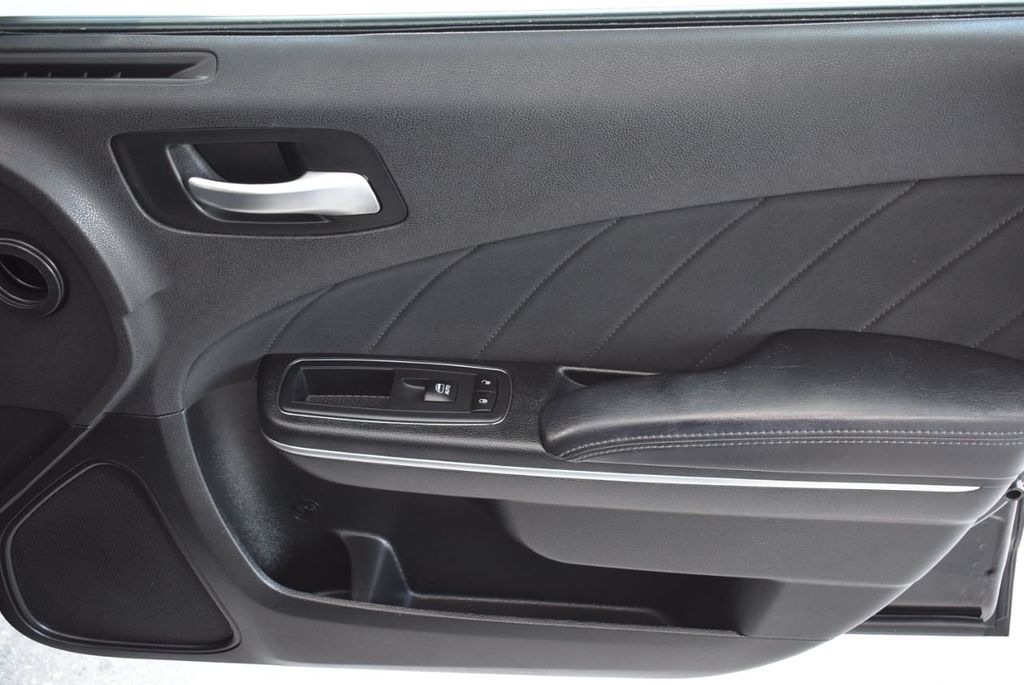 2018 Dodge Charger SXT Plus RWD - 18497648 - 25
