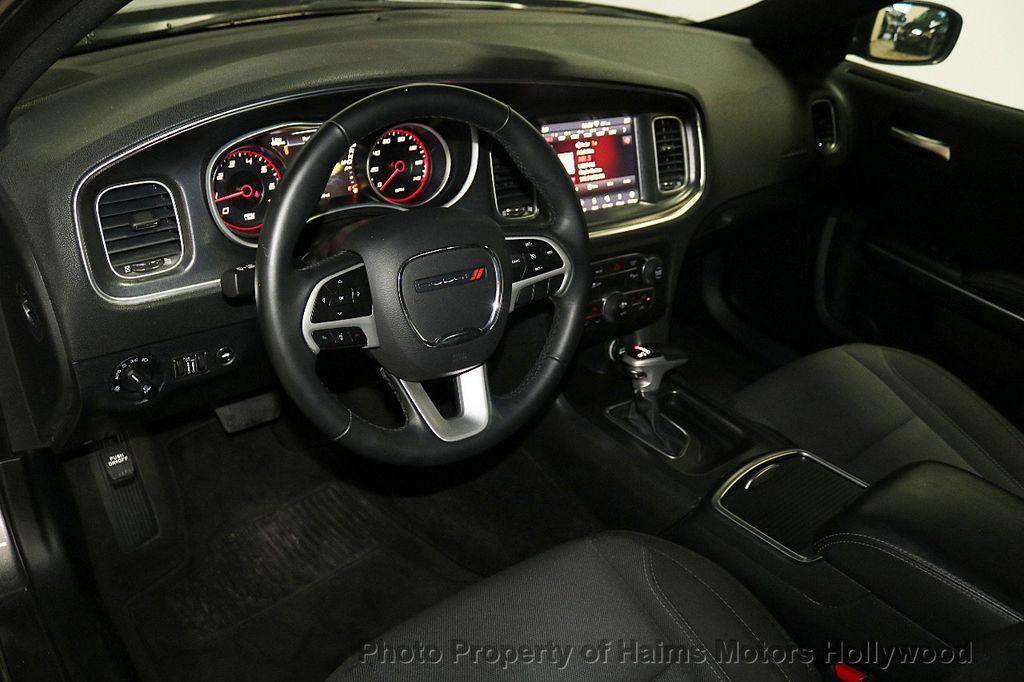 2018 Dodge Charger SXT Plus RWD - 18183615 - 17