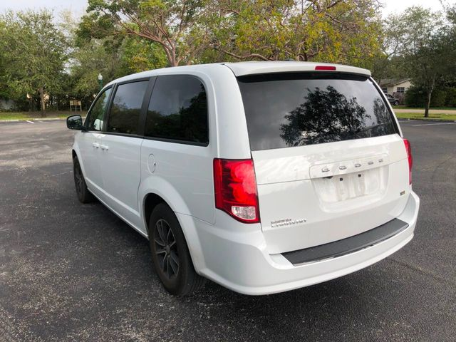 2018 Dodge Grand Caravan SE Plus Wagon - Click to see full-size photo viewer