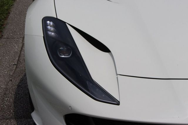 2018 Ferrari 812 Superfast Coupe - 19355875 - 12