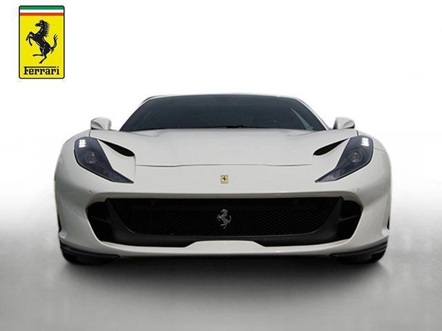 2018 Ferrari 812 Superfast Coupe - 19355875 - 7