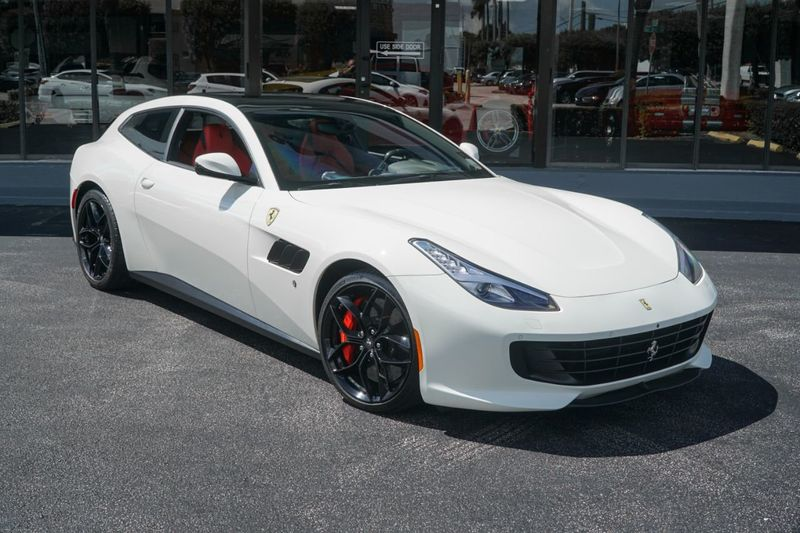 2018 Ferrari GTC4Lusso T RWD - Click to see full-size photo viewer
