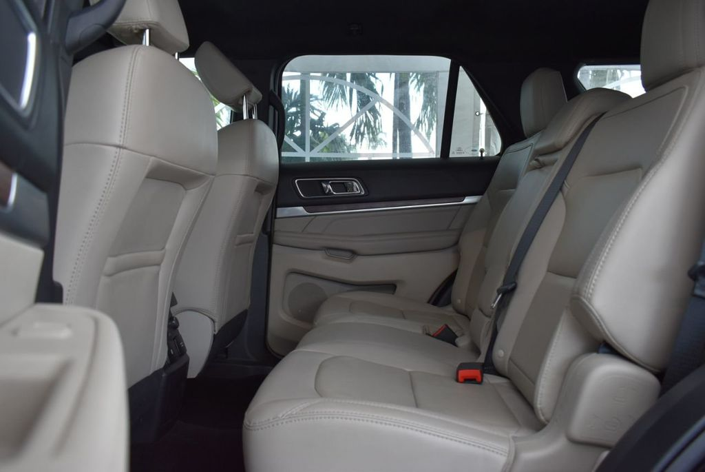 2018 Ford Explorer Limited FWD - 18712659 - 11
