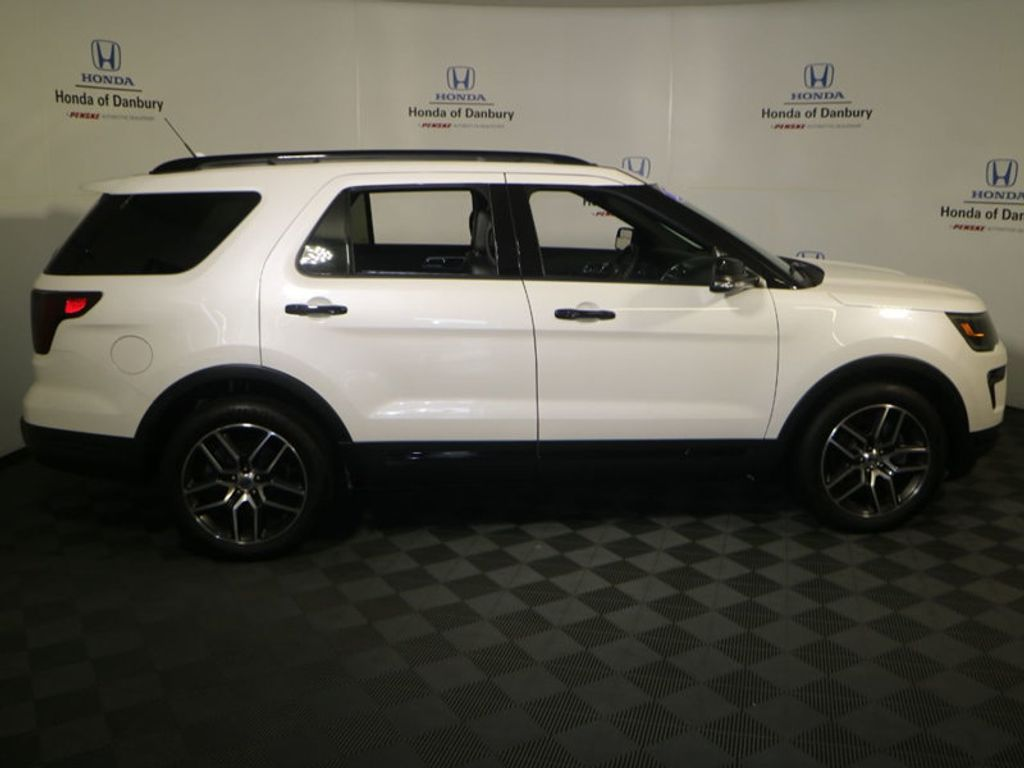 2018 Ford Explorer Sport 4WD - 18192625 - 4