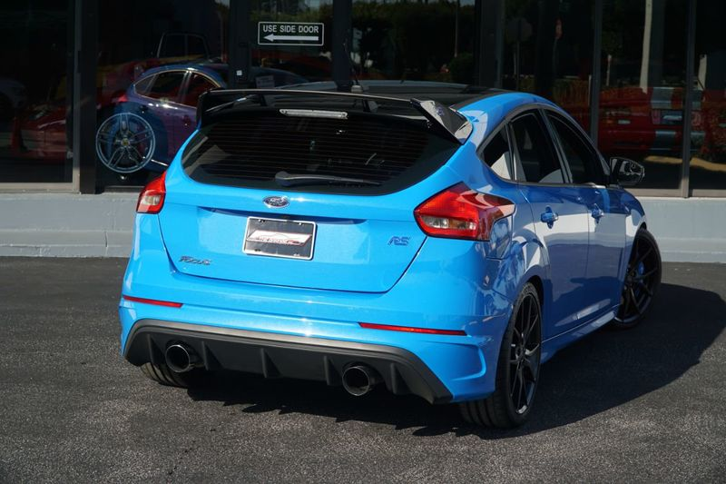 2018 Ford Focus RS Hatch - Click to see full-size photo viewer