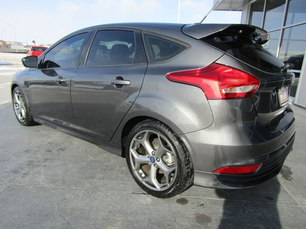2018 Ford Focus ST Hatch - 18584406 - 4