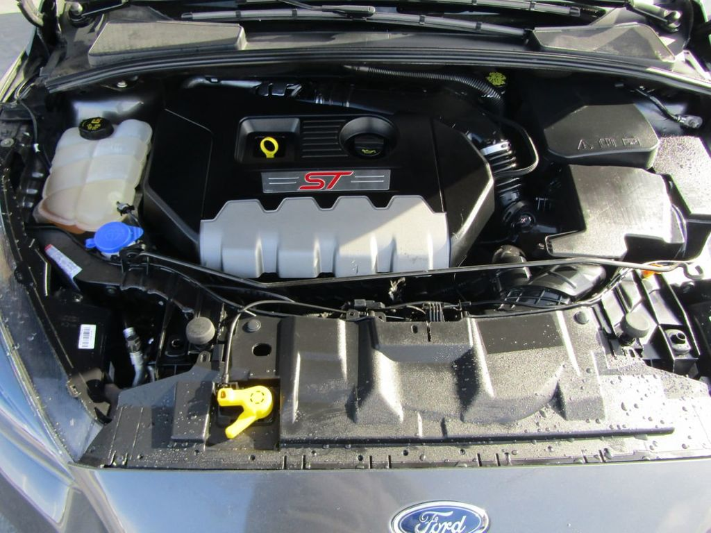 2018 Ford Focus ST Hatch - 18584406 - 49